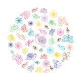 Красочные смешные насекомые Doodle Чертежи детей милых черепашок, бабочек, муравьев и улиток аранжировали круг ina Стоковое Фото