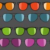 Красочные солнечные очки на белой предпосылке также вектор иллюстрации притяжки corel Стоковая Фотография RF