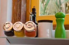 Красочные специи в стеклянной таре Стоковое Изображение