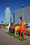 Красочные статуи лошадей в Астане Стоковое Фото