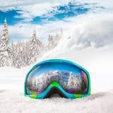 Красочные стекла лыжи стоковые изображения