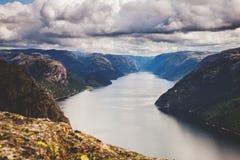 Красочные сцены горы в Норвегии Красивый ландшафт Норвегии, Скандинавии Ландшафт горы Норвегии Стоковые Фотографии RF