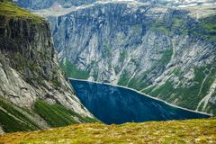 Красочные сцены горы в Норвегии Красивый ландшафт Норвегии, Скандинавии Ландшафт горы Норвегии Стоковая Фотография RF