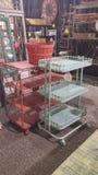 Красочные тележки для продажи на рынке мебели Стоковая Фотография RF