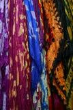 Красочные шарфы и Pashminas Стоковые Фото
