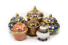 Красочные шары сделанные из глины помещенной на белой предпосылке Стоковое Фото