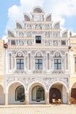Красочные щипцы ренессансных домов в Telc, чехии стоковое изображение rf