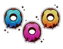 Красочные donuts установленные с поливой Бесплатная Иллюстрация