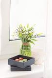 Красочные handmade роскошные bonbons шоколада в коробке Стоковые Изображения RF