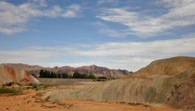 Красочный ландшафт Danxia, очень красивый пейзаж Стоковая Фотография RF