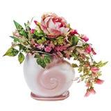 Красочный букет от роз и пехотинца цветет в вазе изолированной дальше стоковое изображение