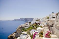 Красочный взгляд Oia в Santonrini стоковые фото