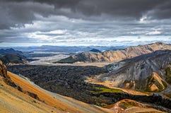 Красочный вулканический ландшафт в Landmannalaugar, Исландии Стоковые Фотографии RF