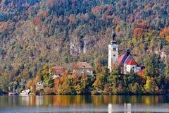 Красочный день осени на озере Bled, Словения Стоковые Фотографии RF