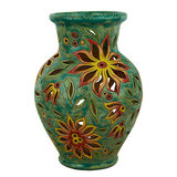 Красочный декоративный кувшин украшенный с цветками Изолированный на wh Стоковое Изображение