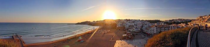 Красочный заход солнца в городе Faro, Алгарве, Португалии стоковое изображение rf