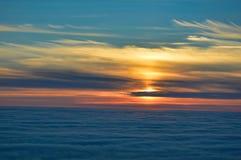 Красочный заход солнца полуночного солнца от Nordkapp, Норвегии Стоковые Изображения RF