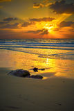 Красочный заход солнца над морем Стоковые Фото