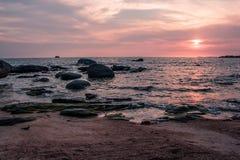 Красочный заход солнца на побережье Gulf of Thailand Стоковое Изображение RF