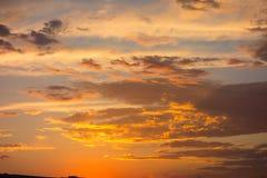Красочный заход солнца над пустыней Стоковые Фото