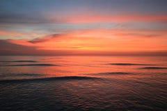 Красочный заход солнца на пляже Стоковое фото RF
