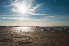 Красочный заход солнца над Северным морем Стоковые Изображения