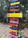 Красочный знак указывая путь Стоковая Фотография RF