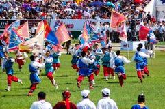 Красочный дисплей на церемонии открытия Nadaam стоковая фотография