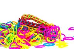 Красочный конец моды круглых резинк браслета тени радуги вверх по острословию Стоковые Изображения