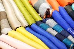 Красочный крупный план шарфов стоковые изображения