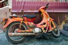 Красочный мопед hippie стоковое фото