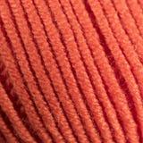 Красочный оранжевый крупный план макроса шарика потока шерстей Стоковые Изображения