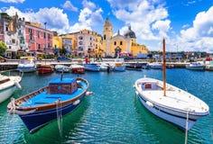 Красочный остров в кампании, Италия Procida стоковое изображение rf