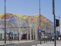 Красочный портал на платформе piotrkowska трамвайной остановки в Лодзе c Стоковое Фото