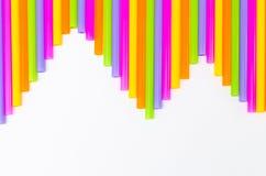 Красочный предпосылки выпивая соломы Стоковые Фотографии RF