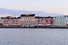 Красочный променадов столетия в таких прибрежных городах как Атлантик-Сити на области Buena Vista озера стоковые фотографии rf
