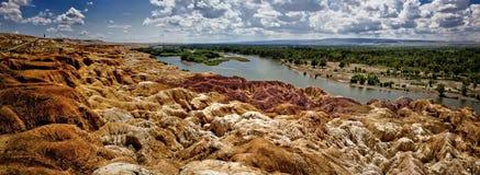 Красочный пляж расположен в Синьцзян-Уйгурский автономный район Стоковые Фотографии RF