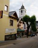 Красочный район покупок в St Вольфганге, Австрии стоковые изображения rf