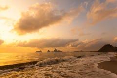 Красочный рассвет над морем стоковое изображение