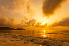 Красочный рассвет над морем стоковая фотография rf