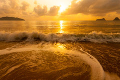 Красочный рассвет над морем стоковые изображения rf