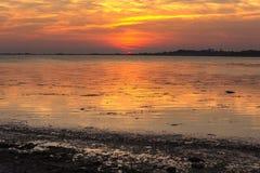 Красочный солнечный свет на озере стоковая фотография rf