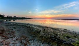 Красочный солнечный свет на озере стоковые фото