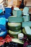 Красочный сыр на рынке в Marais стоковая фотография