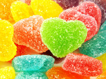 Красочный сладостный конец формы сердца студня вверх на белой предпосылке Стоковые Изображения