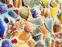 Красочный сломанный керамический дизайн стены Стоковые Изображения RF