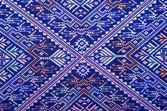 Красочный тайский шелк handcraft консервация поверхности половика стиля peruvian старым сорванная годом сбора винограда сделанная Стоковое фото RF