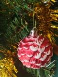 Красочный украшения рождественской елки подарочной коробки подарочной коробки кукол шарика Стоковые Фото