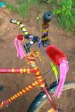 Красочный украшенный велосипед Стоковые Изображения RF