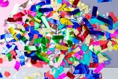 Красочный яркий confetti и сверкнает backhander стоковые изображения rf